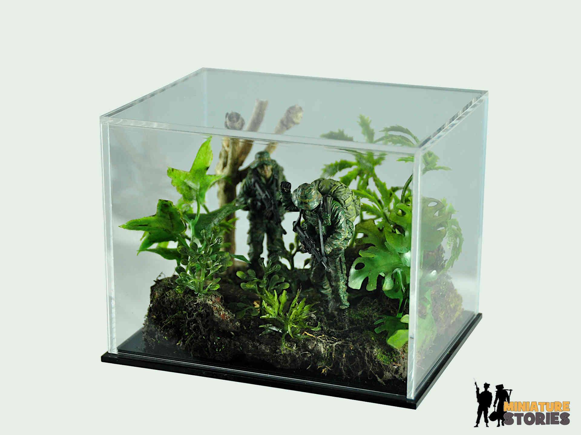Singapore Scouts Recce Jungle Diorama with 13cm Acrylic Case 1
