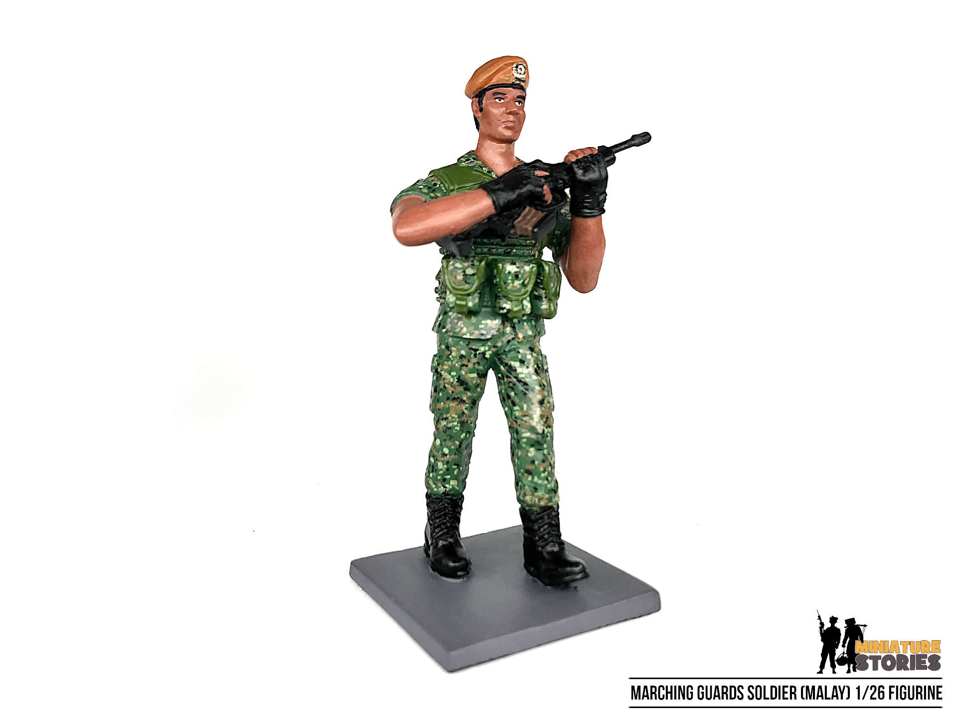 Marching Singapore Army Guards Soldier Figurine (Malay)