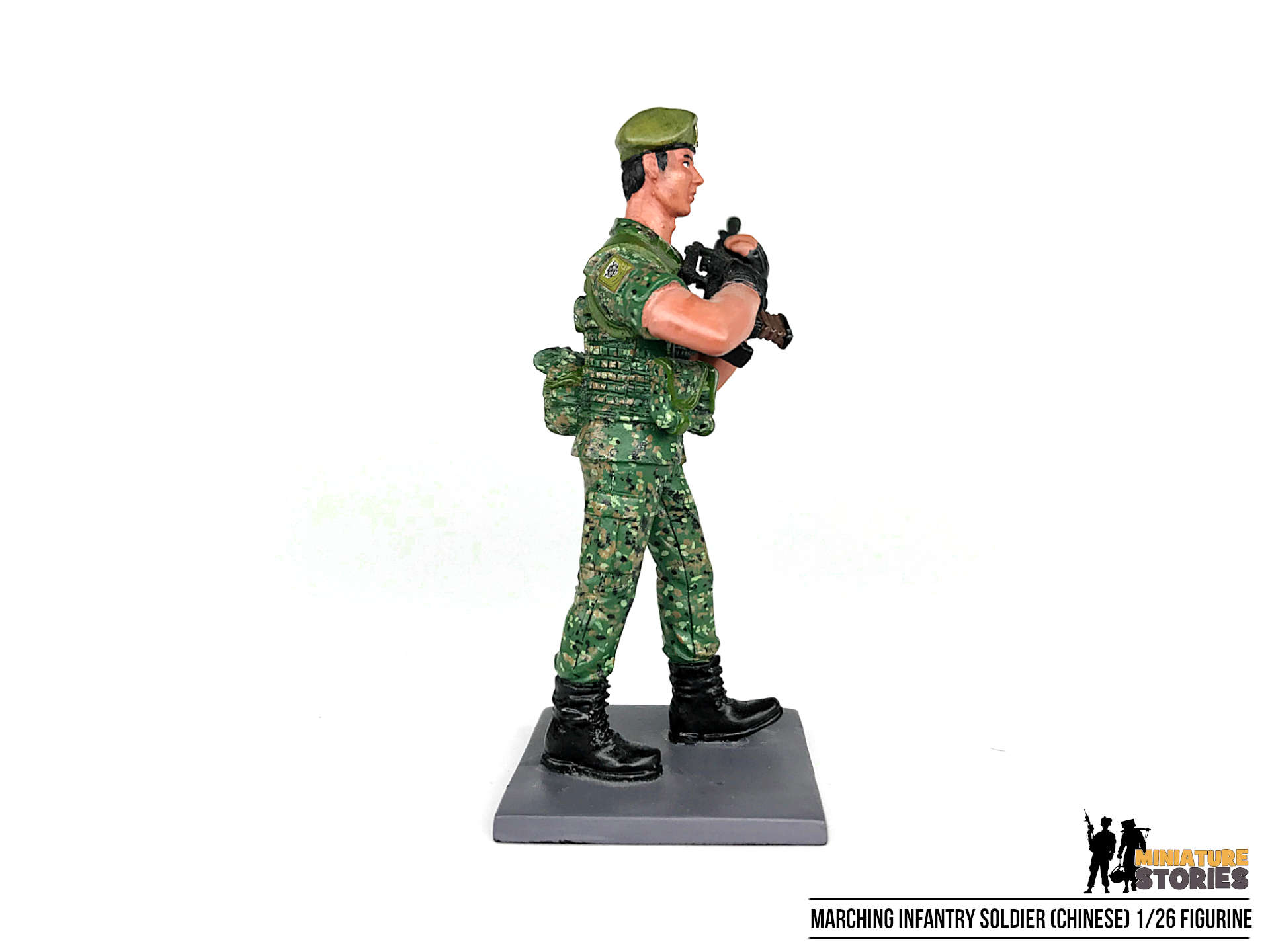 Marching Singapore Army Guards Soldier Figurine (right)