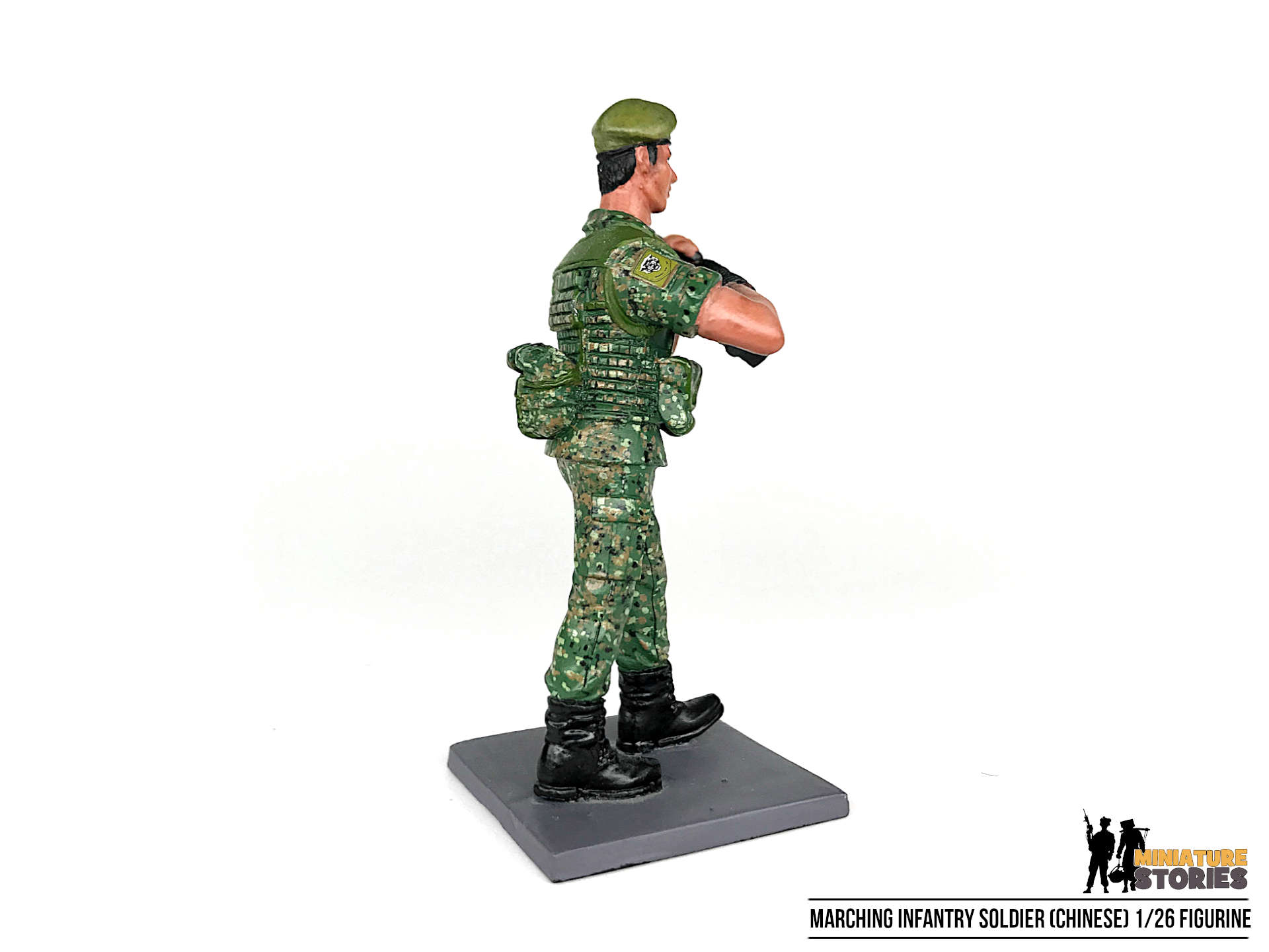 Marching Singapore Army Guards Soldier Figurine (right 3)