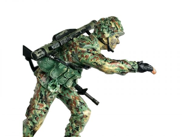2nd Gen 2G Singapore Army LAW Gunner Soldier Figurine (cover)
