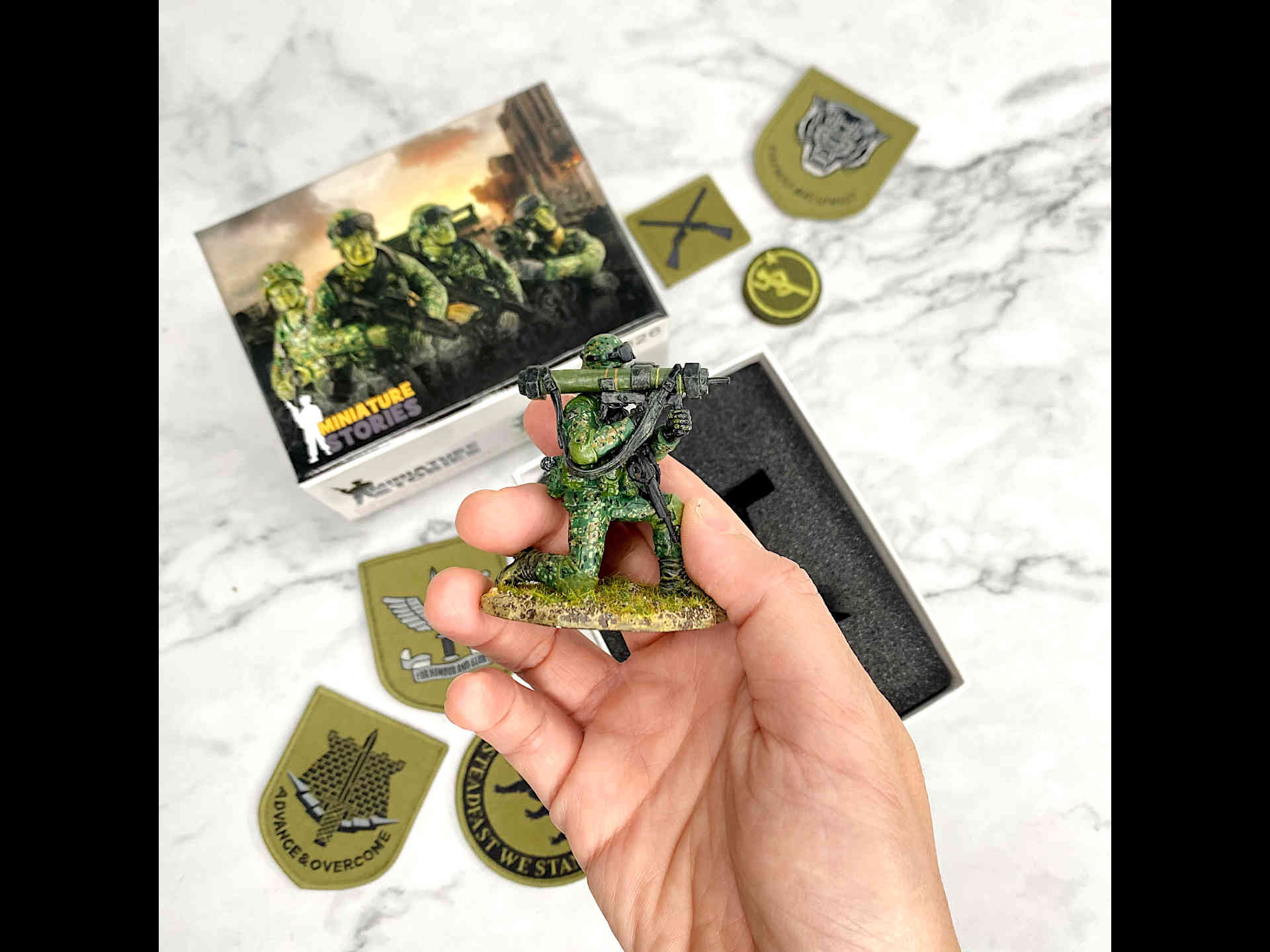 SAF miniature MATADOR Gunner aiming through sight Toy Soldier Collectible Figurine (scale)